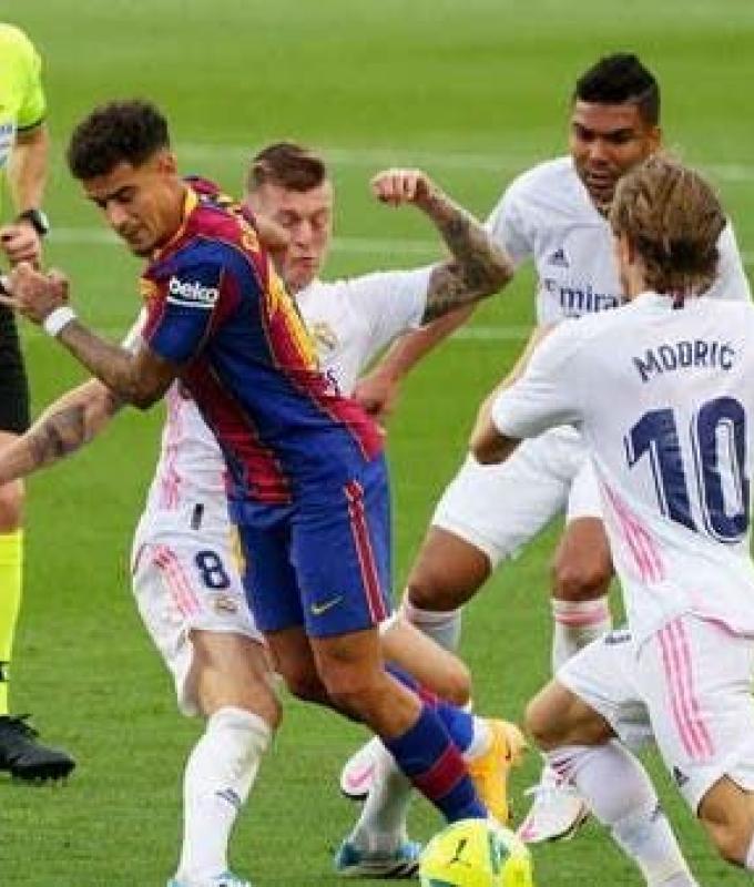 برشلونة يعلن إصابة كوتينيو