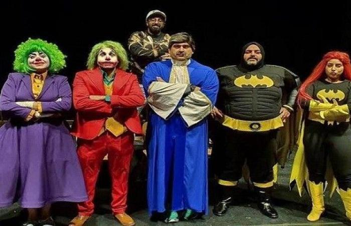 """فريق عمل مسرحية """"عطل فني"""" يعود إلى القاهرة"""