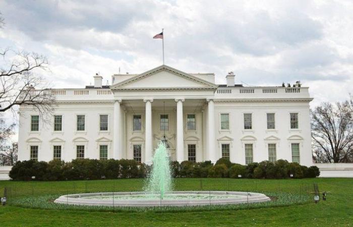 """البيت الأبيض: """"كورونا"""" يمثل حال طوارئ"""