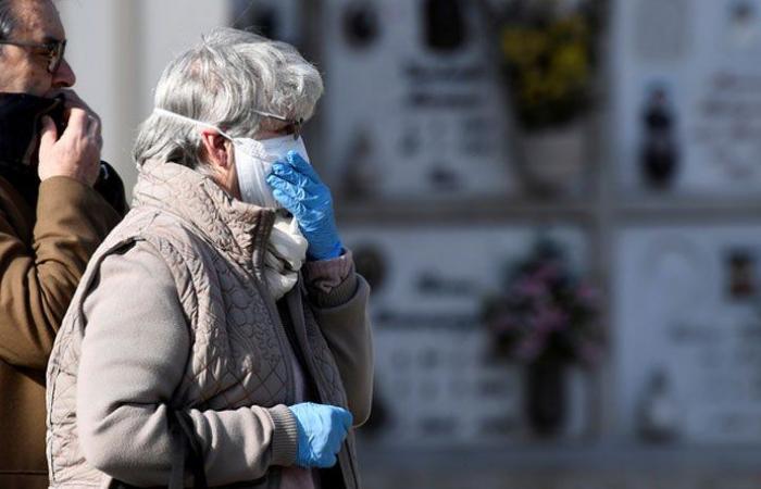 عالم يحذر: الوباء سيقتل 200 ألف أميركي