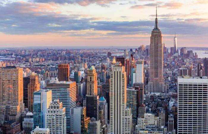 """9 آلاف اصابة بـ""""كورونا"""" اليوم في نيويورك"""