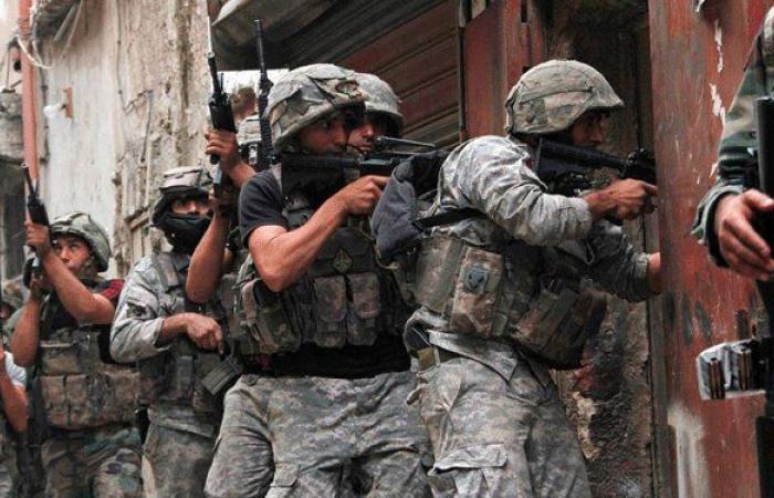 الجيش يطارد المحتجين في أسواق طرابلس