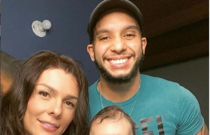 دانا سلطانة تنشر صور طفلها بعد ولادة زوجها
