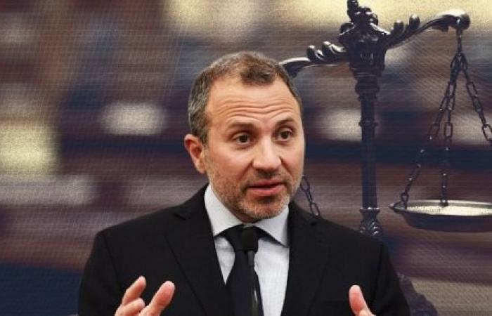 عون يرفع السقف: التدقيق الجنائي قبل الحكومة... والفرنسيون يردّون بالعقوبات