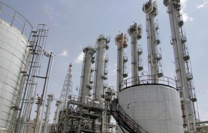 مسؤول إيراني يكشف عن سرقة وثائق نووية إيرانية