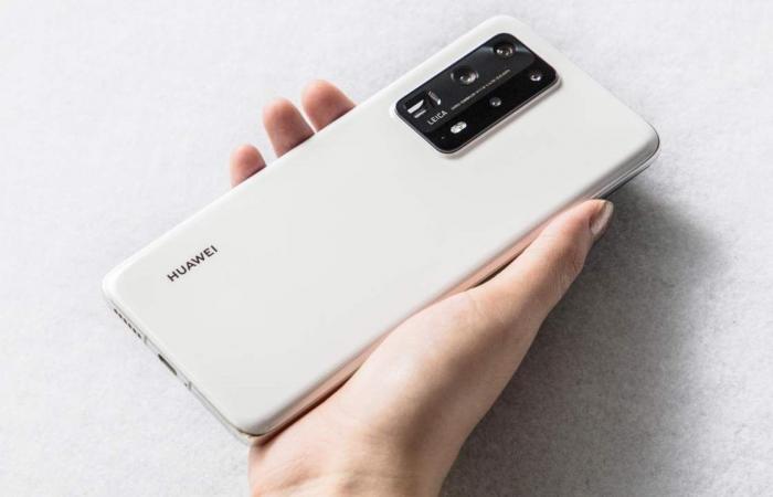 هواوي خارج المراكز الخمسة الأولى في سوق الهواتف الذكية