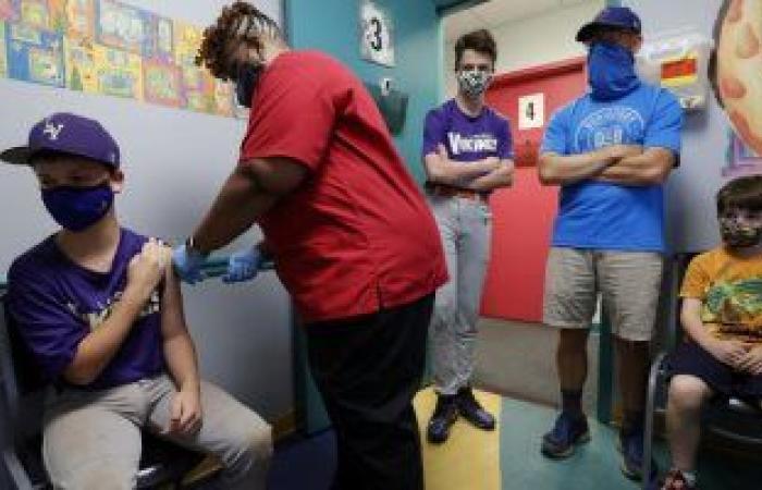 بدء تطعيم الأطفال فى عمر 12 سنة بلقاح فايزر بأمريكا بعد موافقة FDA
