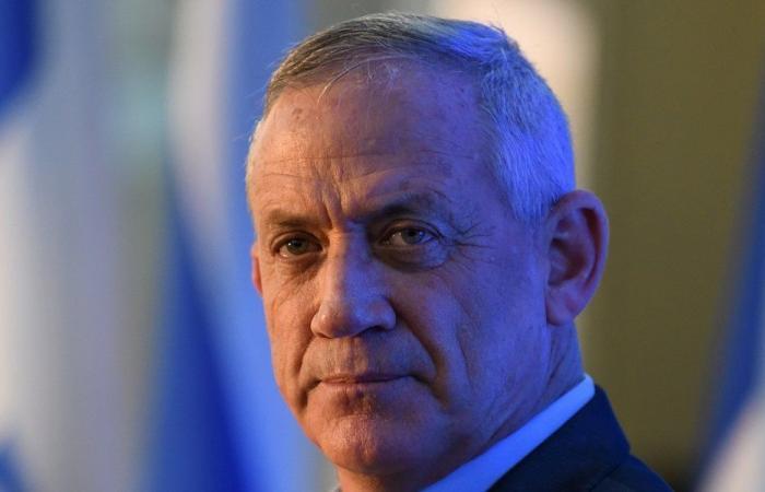 غانتس: ما رأيناه بغزة سيكون عشرة أضعافه في لبنان!