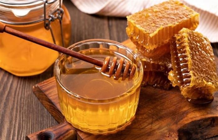 منها الشاي بالليمون.. طرق طبيعية لعلاج احتقان الحلق