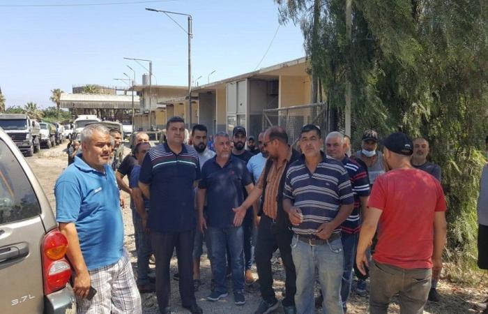اعتصام احتجاجي لأهالي البداوي أمام منشآت النفط