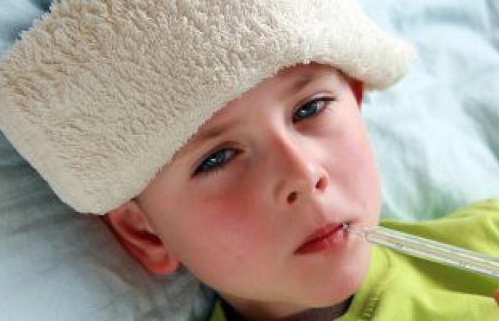5 أعراض تشير لإصابة طفلك بالتهاب بكتيرى فى الصيف أبرزها رفض الطعام