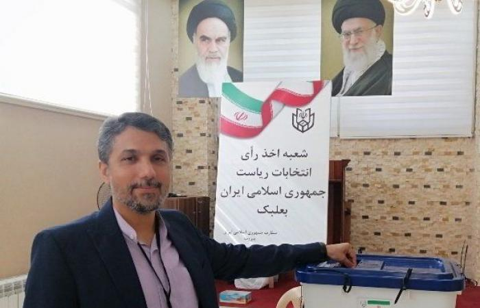 بالصور: الإيرانيون في لبنان يصوّتون