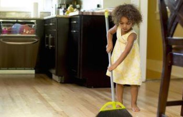 تعرفى على الطرق الآمنة لاستخدام المنظفات المنزلية للحفاظ على صحة طفلك