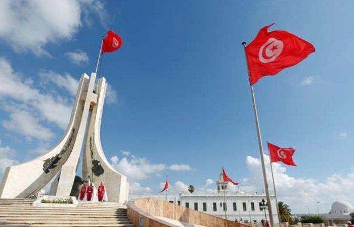 """استقالة أكثر من 100 قيادي من """"النهضة"""" التونسية"""
