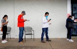 """""""كورونا"""" يطلق موجة جديدة من تسريح العاملين في أميركا"""